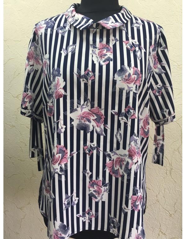 Романтичная женская блузка
